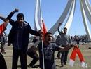 На баррикадах Бахрейна столкнулись интересы Ирана и США