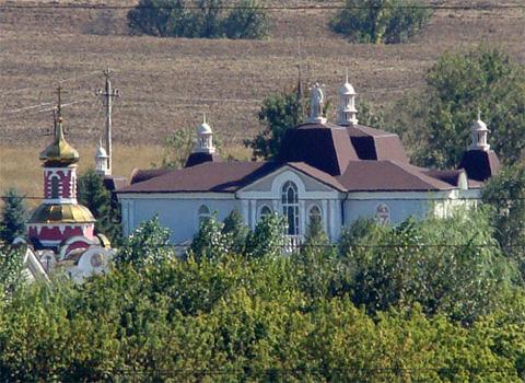 Где живет и на чем ездит Юра Енакиевский (Фото)